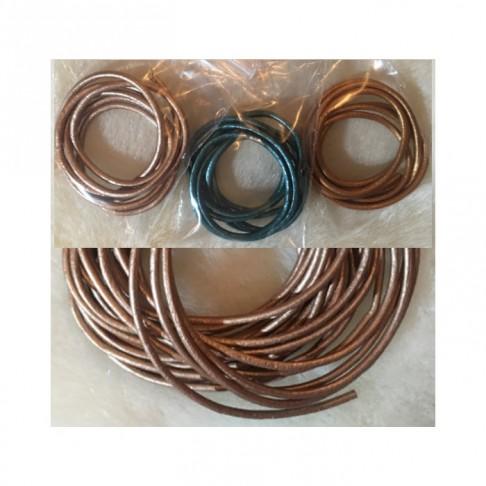 VIR-N1112 B kl., natūralios odos virvutė, apie 2mm, 60cm, perlamutrinė šv. RUDA