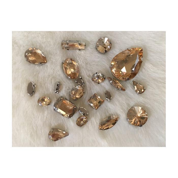 KRS-8MIX   Prisiuvamų kristalų-intarpų MIX, (nuotraukoje) ŠAMPANO sp.