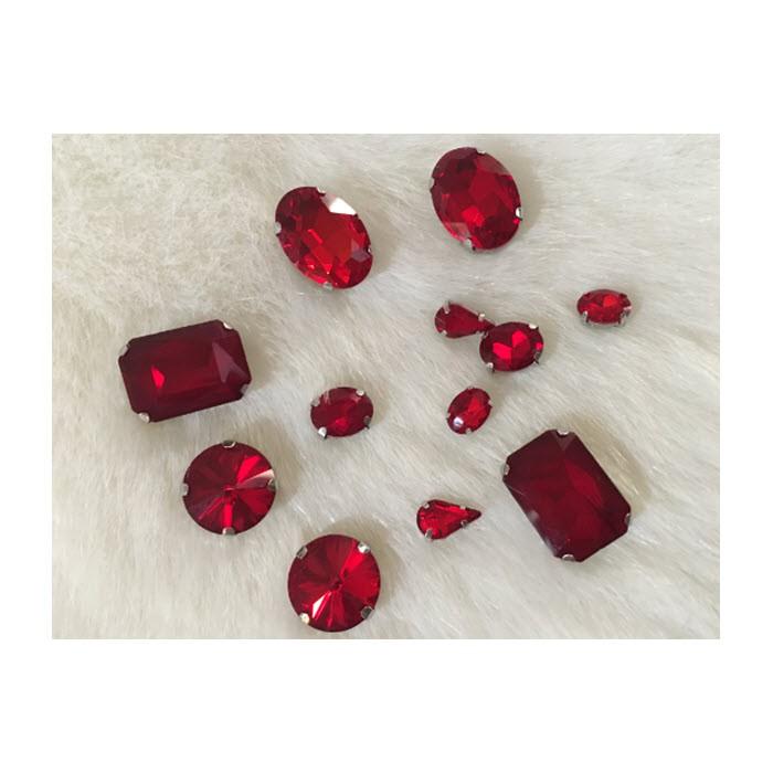 KRS-9MIX   Prisiuvamų kristalų-intarpų MIX, (nuotraukoje) RAUDONA sp.