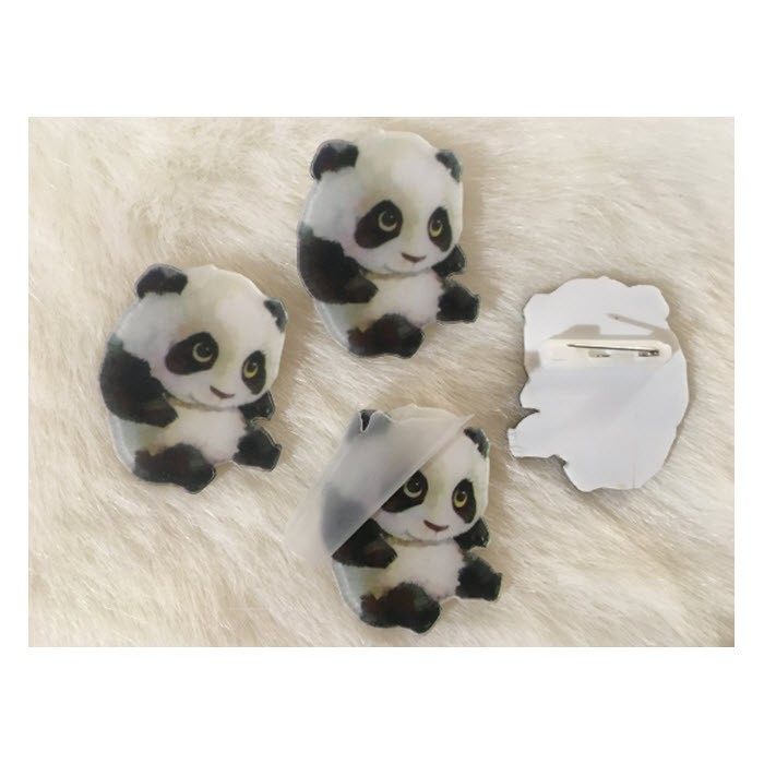 """S-ZK2  Prisegamas ženkliukas, apie 35mm , """"Panda """", (atsargiai nulupti plėvelę)"""
