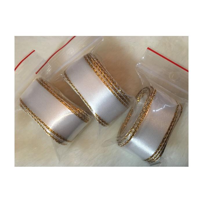 K-JS501  Satino juostelė su aukso sp., krašteliais, 20mm, 3 metrai, BALTA