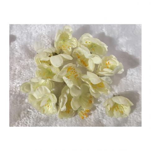 G-VS366 Dirbtinės gėlytės, apie 30mm, už 5 vnt., KREMINĖS