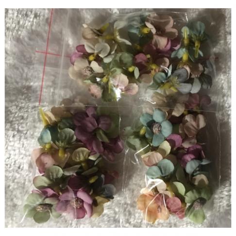 G-VT6703  Dirbtinės gėlytės, apie 2.5cm, 50 vnt., VINTAŽ MIX
