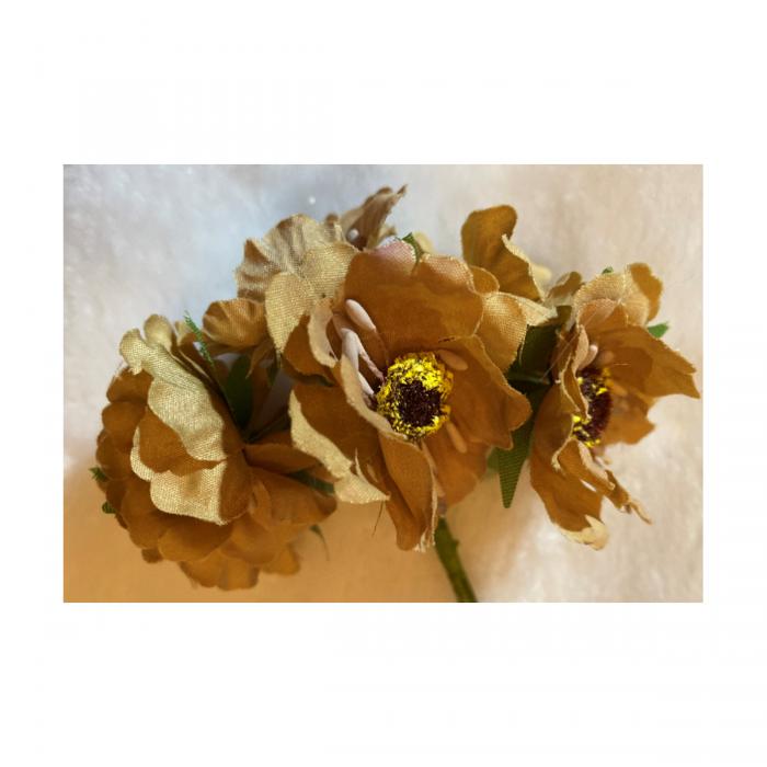 G-2B4402 Dirbtinės gėlytės, 6vnt,( apie 4cm),RUDOS