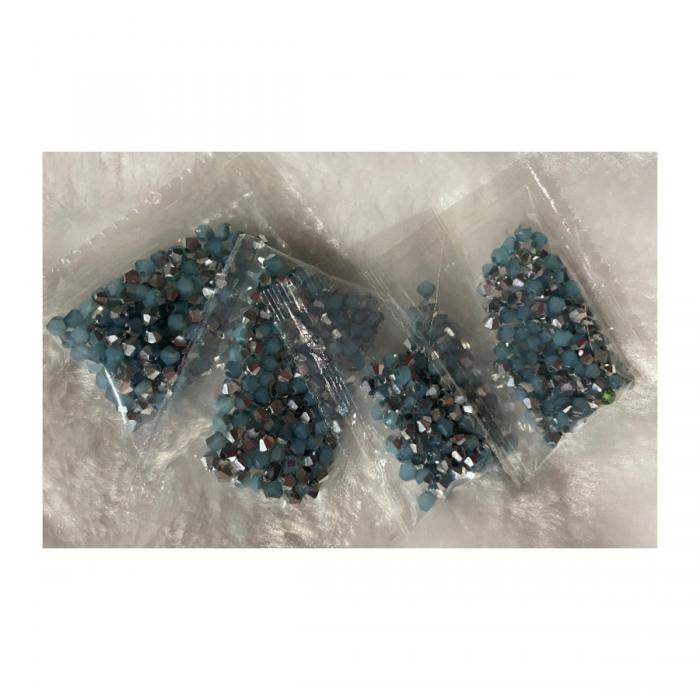 KR-KA144 kristalo karoliukai, 4mm, apie 100, melsve-sidabro sp.