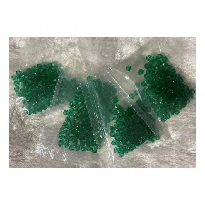 KR-KA148 kristalo karoliukai, 4mm, apie 100, ŽALI