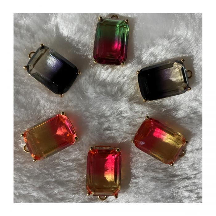KR-BK670   Kristalo pakabukai,  Bkl., 18x13mm, 6 vnt, (nuotraukoje)