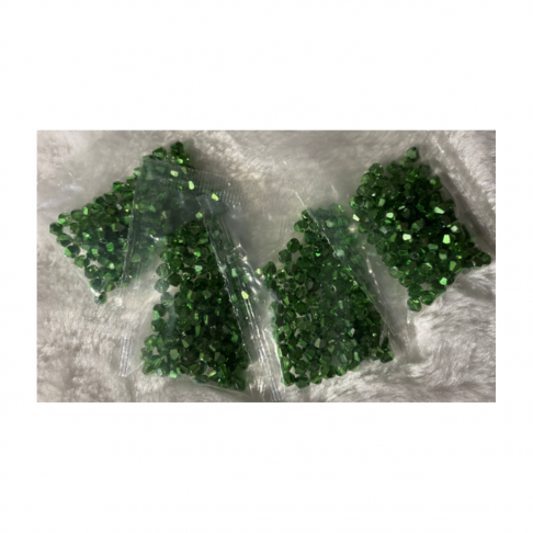 KR-VDE942  kristalo karoliukai, 4mm, apie 100, ŽALI