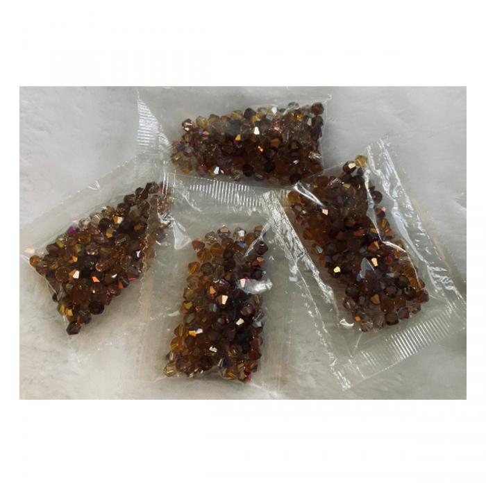 KR-MIX-05  Kristalo karoliukų MIX (nuotraukoje), bicone, 4mm, 100 vnt. RUDI MIX