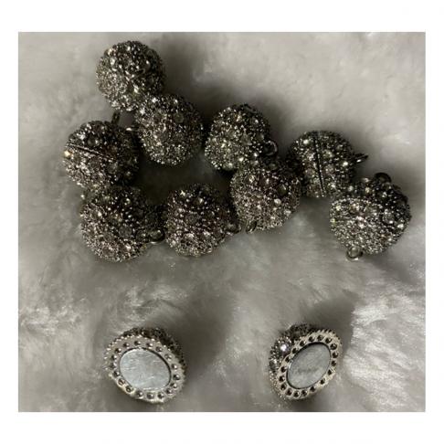 7-88719 Magnetinis užsegimas su kristalo akutėm, 14mm, 1vnt.