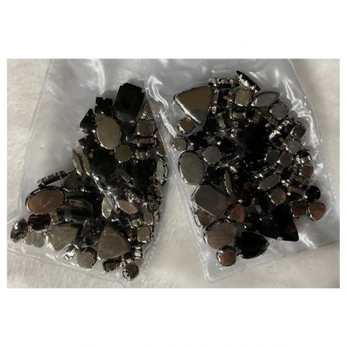 DT-MIX991KR-MIX991 Kristalo prisiuvamų intarpų MIX, apie50 vnt. JUODI