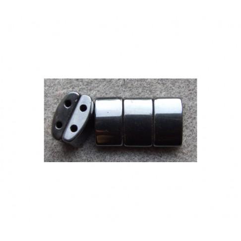 AKM-HT82 Hematitas magn., 17x10x(7mm tarp tarpeliu)