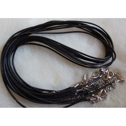 V-AA121 Natūralios odos virvutė ant kaklo, 40-45cm.-1,5mm., Juoda