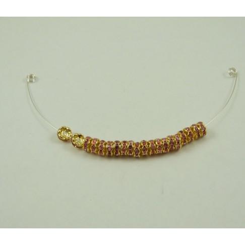 A-I 0113 Intarpas aukso sp., su rausvos sp. kristalo akutėm, 6mm