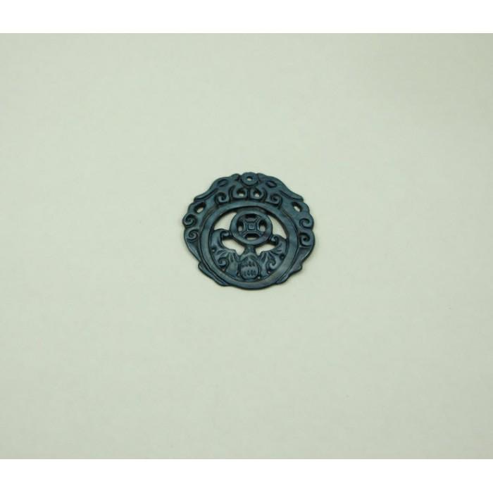 KR-05667 Raižytas kriauklės pakabukas, apie 40mm, melynai-pilkos sp.