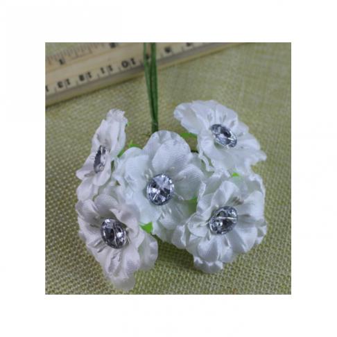 G-AK13 Gėlytės su akriline akute, 4.5 cm, už 6 vnt., BALTOS