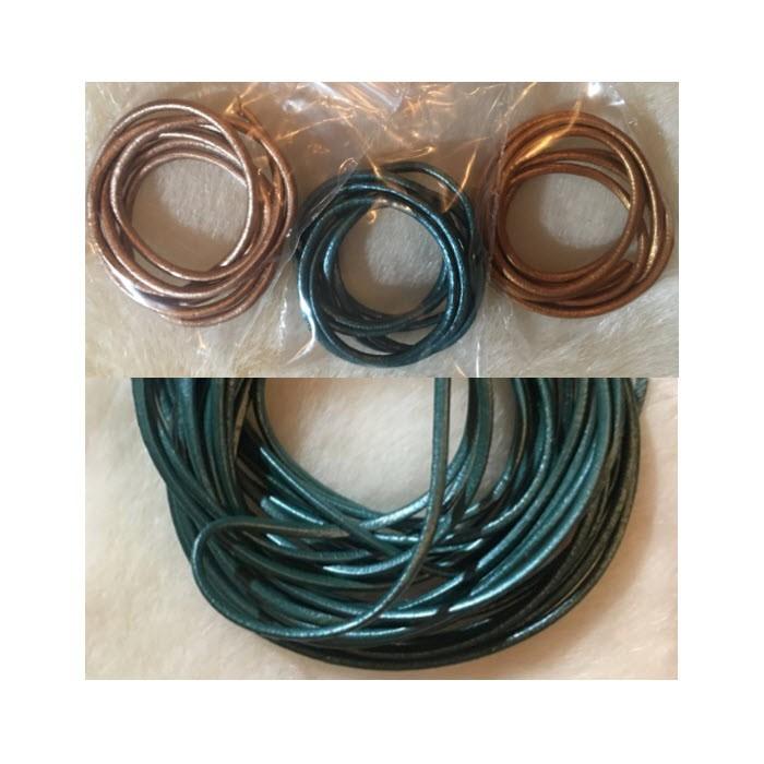 VIR-N1114 B kl., natūralios odos virvutė, apie 2mm, 60cm, perlamutrinė TURKIO