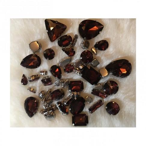 DT-MIX51 Prisiuvamų kristalų-intarpų MIX, apie 50 vnt., Granato sp.